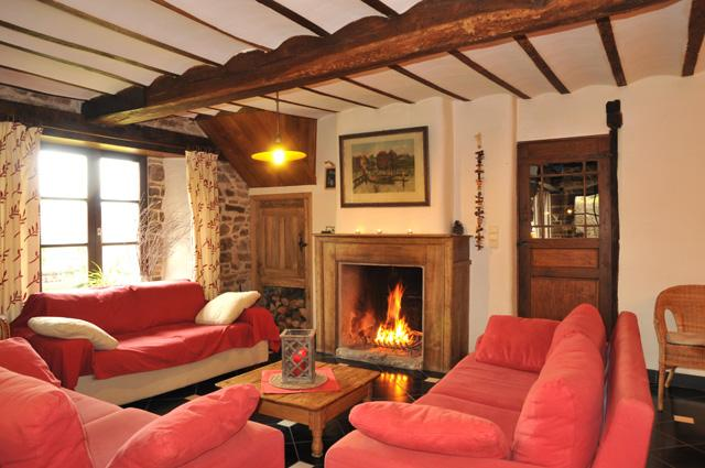 Belgium ardennes cottage 14 pers guest rooms ch oux for Salle a manger 4 personnes